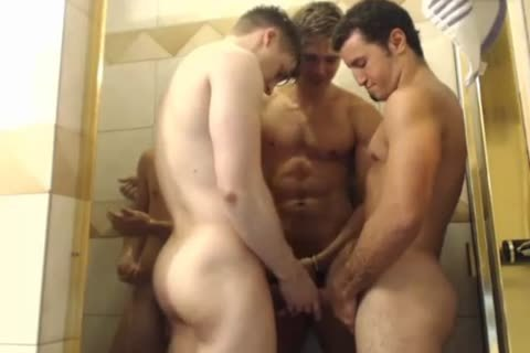 4 stylish fellows Hottest Blowjobs In Shower